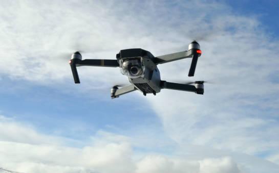 Czym się kierować wybierając drona?