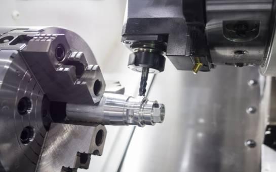 Na czym polega remont maszyn CNC?