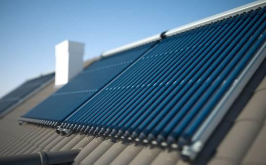 Na czym polega montaż instalacji solarnych