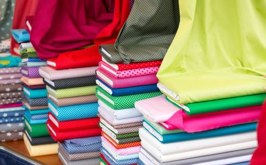 Dzianiny a tkaniny – porównanie