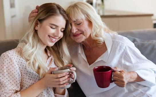 Komu powierzyć opiekę nad starszą osobą?