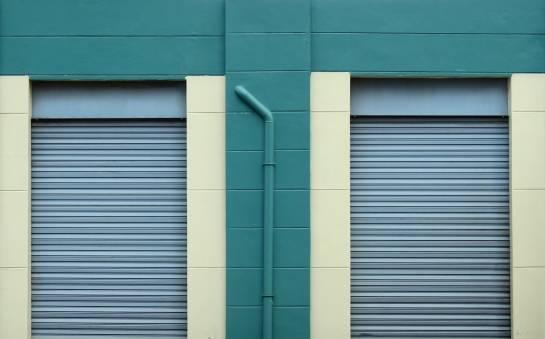 Systemy aluminiowych drzwi składanych i przesuwnych. Charakterystyka