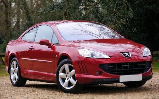 Co wyróżnia samochody marki peugeot?