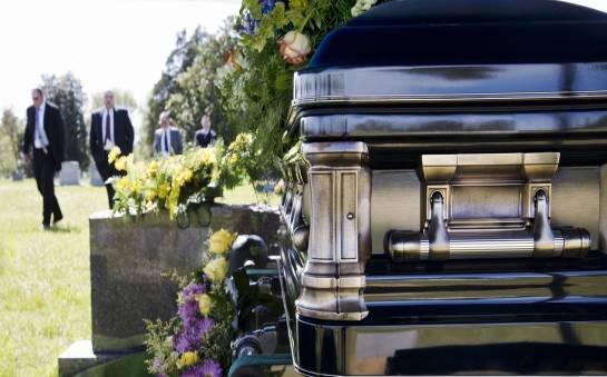 Sprawy, o których warto pamiętać przy organizacji pogrzebu