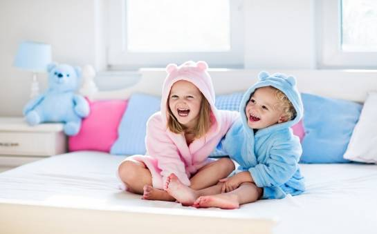 Tradycyjne czy fantazyjne - jakie łóżeczko dla dziecka wybrać?