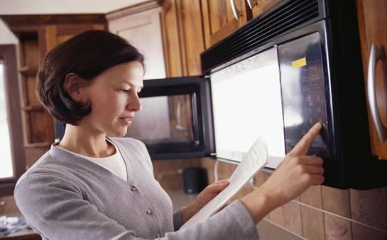 Zalety posiadania kuchenki mikrofalowej