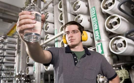 Proces odwróconej osmozy w kontekście wody w kotle
