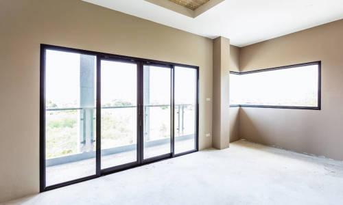Jakie są zalety aluminiowych systemów okienno-drzwiowych?