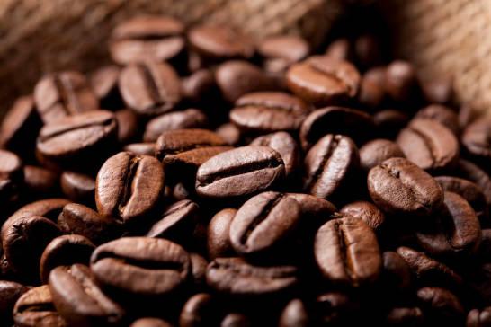 Od ziarna do napoju. Jak produkuje się kawę?