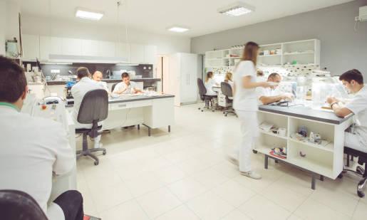 Czym powinno charakteryzować się dobre obuwie laboratoryjne?