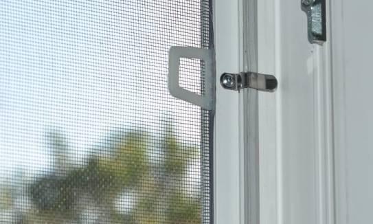 Wybieramy moskitiery na okna. Ramkowe, przesuwne, a może plisowane?