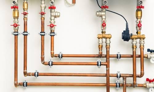Dlaczego rury brązowe są stosowane w instalacjach wod-kan?
