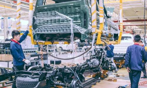 Wybór części do maszyn budowlanych - oryginalne czy zamienniki?