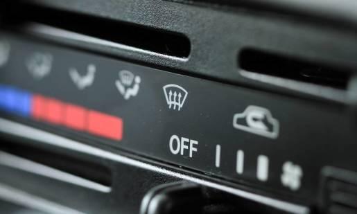 Jak napełnić klimatyzację samochodową?