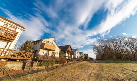 Zalety mieszkania na obrzeżach dużych miast