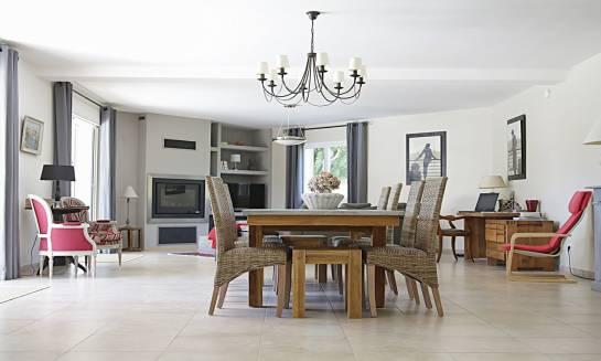 Stylizacja wnętrza – na co zwrócić uwagę podczas wyboru mebli do salonu?