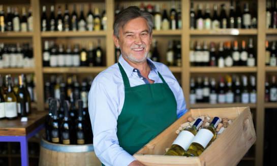 Jak dobrać wino do posiłku – poradnik smakosza