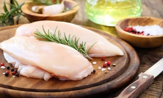 Dlaczego mięso z kurczaka zalecane jest w dietach odchudzających