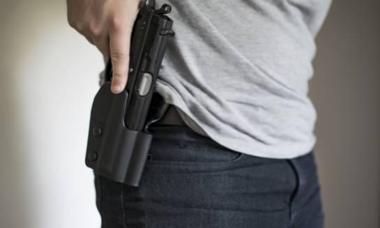 Rewolwer czy pistolet – co wybrać?