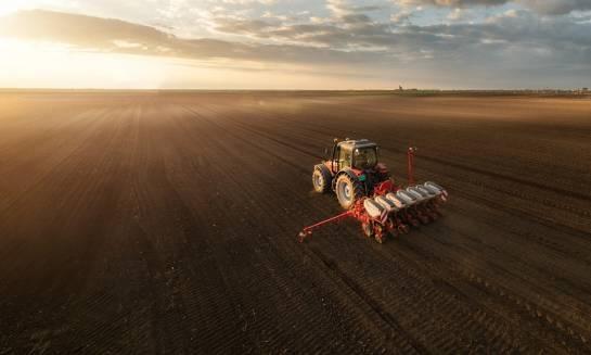 Jak wybrać dobrego dostawcę usług agrotechnicznych