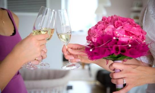 Dlaczego warto wyprawić wesele w restauracji?