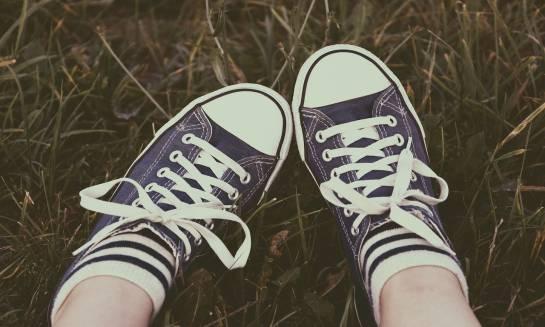 Modne stopy na lato. Skarpety do trampek i nie tylko