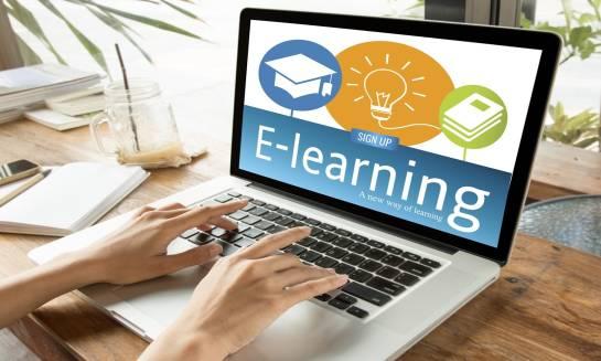 Szkolenia BHP w formie e-learningu – zalety szkoleń a zgodność z przepisami.