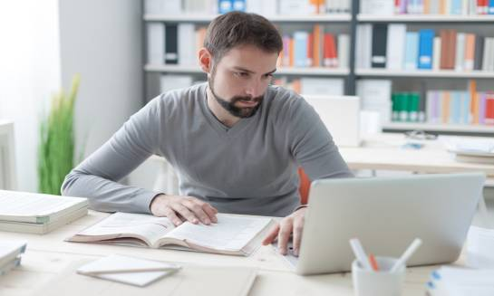 Dlaczego warto korzystać z oferty e-księgarni?