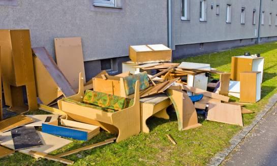 Na czym polega recykling mebli?