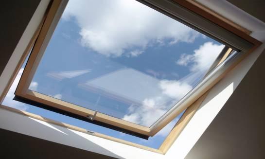 O czym warto pamiętać przy montażu okien dachowych?