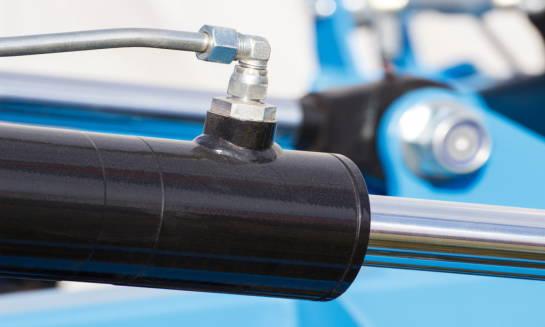 Rodzaje akcesoriów do siłowników hydraulicznych
