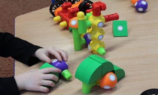 Jakie zabawki wybierać dla dzieci w wieku przedszkolnym?