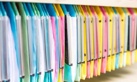 Teczki z polipropylenu – prosty dodatek do dokumentów