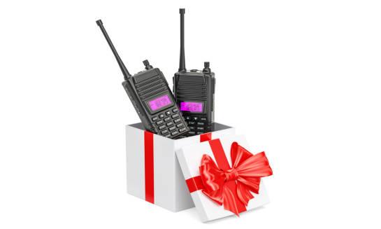 Jakie są niezbędne akcesoria do radiotelefonów?