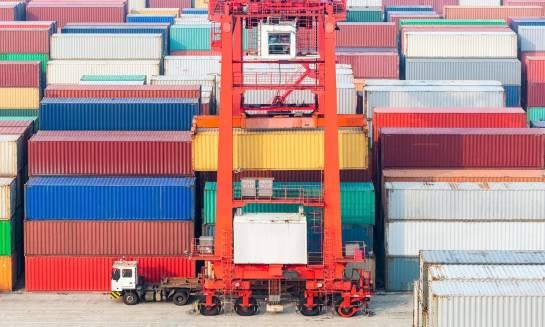 Co warto wiedzieć o transporcie kontenerowym?