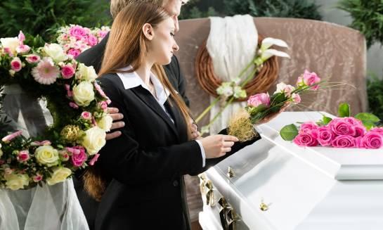 Rodzaje wiązanek i wieńców pogrzebowych