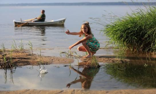 Wypoczynek nad jeziorem receptą na udane wakacje
