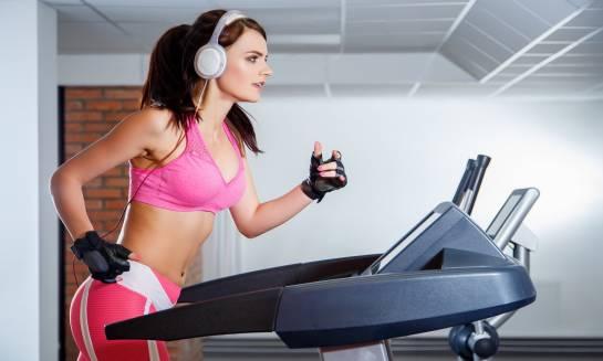 Czym się kierować przy zakupie domowej bieżni do biegania?