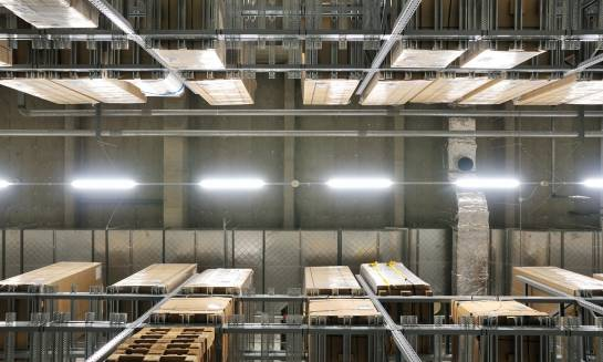 Oświetlenie przemysłowe. Jak wybrać odpowiedni rodzaj?