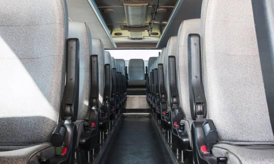 Co przyczynia się do bezpieczeństwa w autobusie?