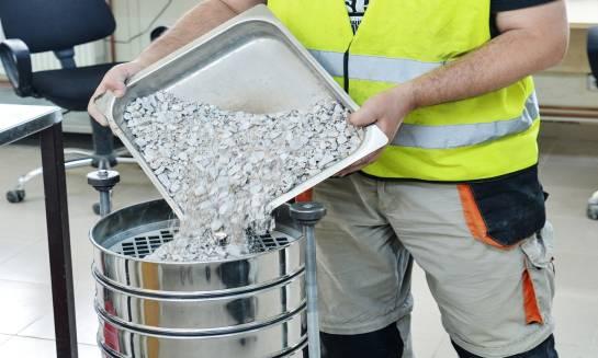 Badania mieszanek mineralno-asfaltowych (MMA)
