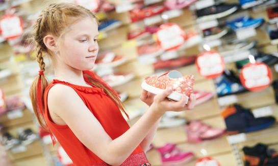 Buty dla dzieci online. Czy warto kupować obuwie przez internet?