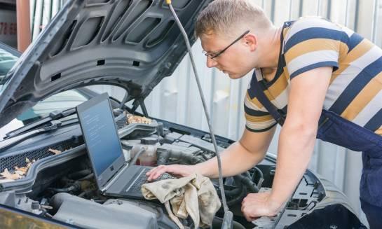 Na czym polega komputerowa diagnostyka silników?