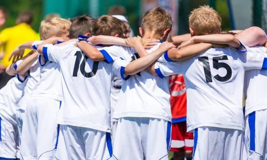 Dresy piłkarskie idealne dla dzieci