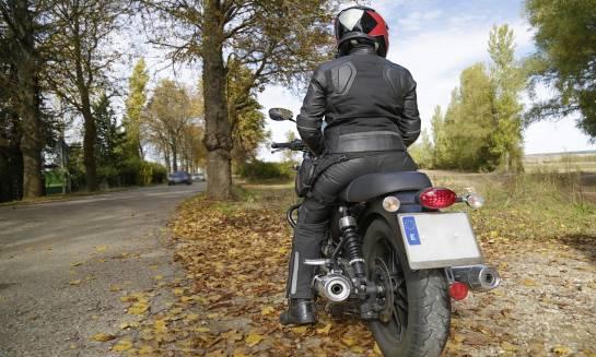 Jak skompletować idealny strój na motor?