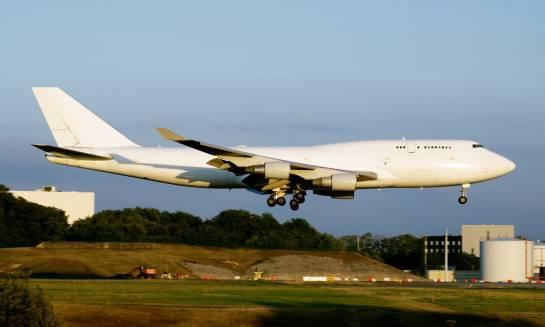 Czym charakteryzuje się spedycja lotnicza