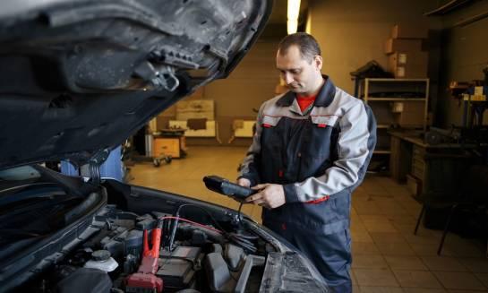Akumulator i jego rola w samochodzie