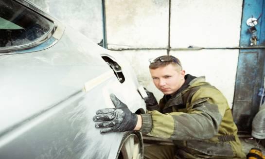 Metody usuwania wgnieceń samochodowych
