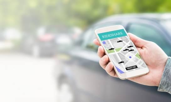 Taxi bez dzwonienia. Jak działają aplikacje taksówkarskie?