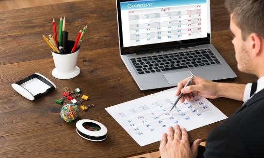 Kalendarz firmowy jako ciekawy upominek dla pracowników